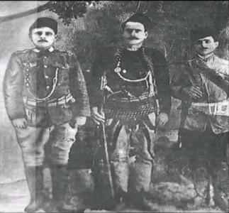 Jusuf Mehonjiqi me te vëllanë..