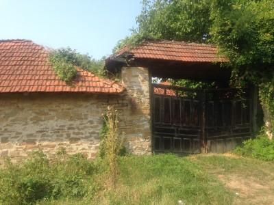 Foto Ismet Azizi: Kurshumli, shtëpi tipike shqiptare, e boshatisur
