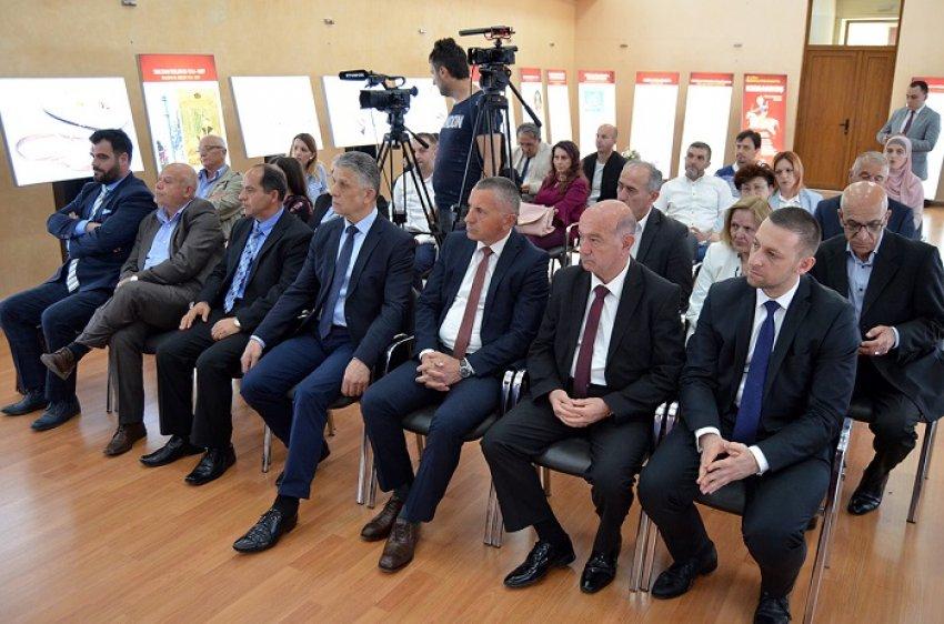 auto_Memorandum_bashkepunimi_midis_boshnjakeve_sdhe_shqiptareve_ne_Serbi_21525156656