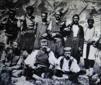 Vasojevička-banda-iz-Berana-na-čelu-sa-Zarijom-Joksimovićem-majorima-Simom-Čukićem-i-Krkotom-Pantovićem-izvršila-je-12.-decembra-1924.-pokolj-21-og-rožajskog-Bošnjaka