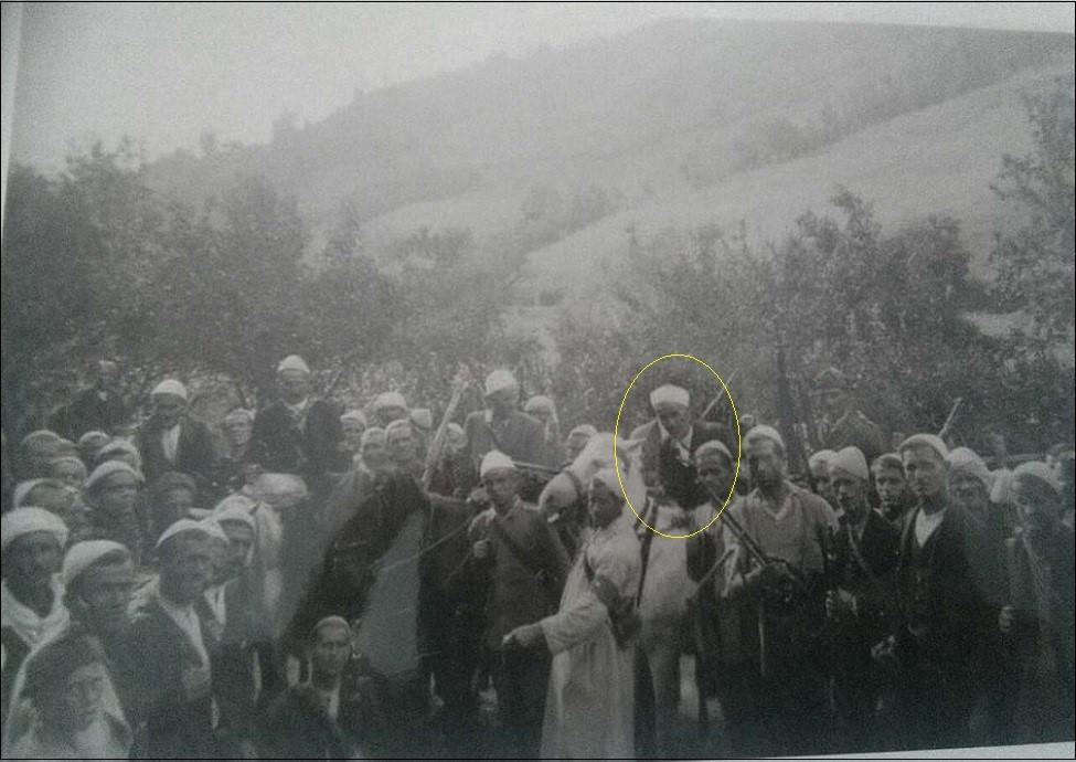 5.-EKSKLUZIVNA-FOTOGRAFIJA.-Milicija-mula-Osmana-Hrastodera-komandanta-odbrane-Gornjeg-Bihora-od-četnika-1941-45