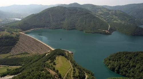 liqeni-i-gazivodes-ujmanit-696x385